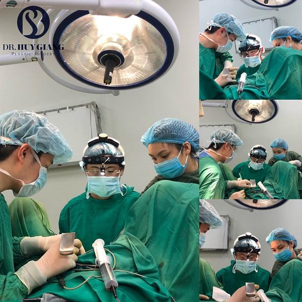 Phẫu thuật thẩm mỹ vùng kín tân trang cô bé an toàn và đẹp
