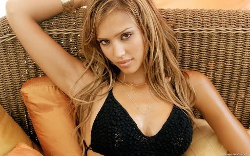 sao Hollywood sở hữu bộ ngực to đẹp nhất thế giới